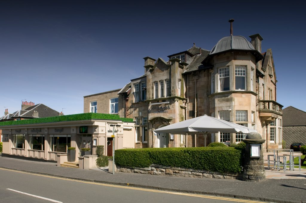 Orchard Park Hotel - Bar and Grill