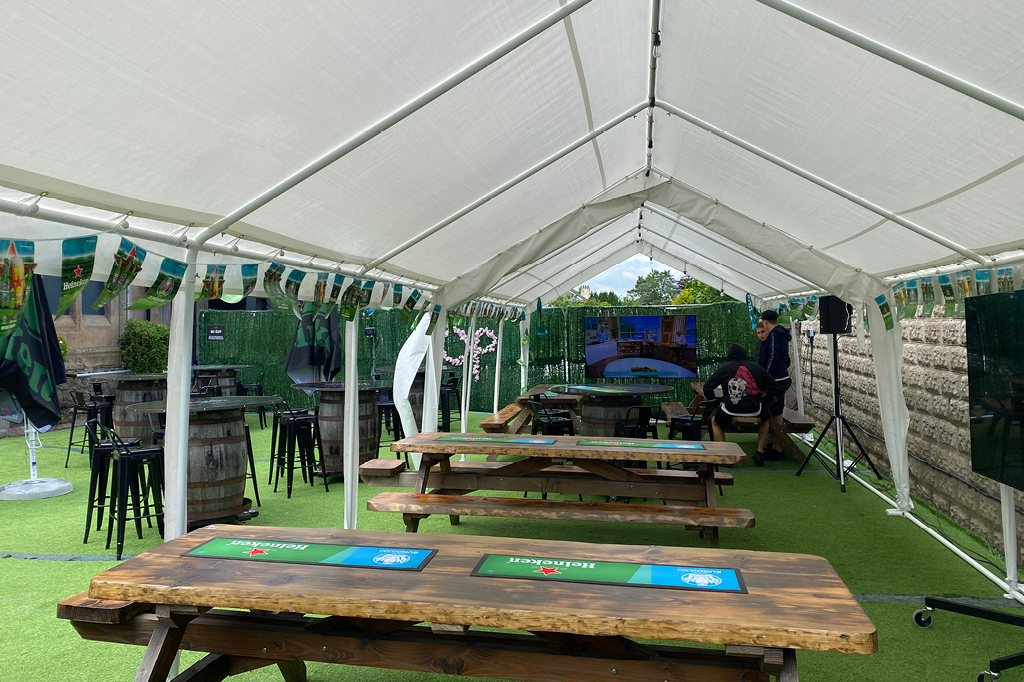Beer Tent at Orchard Park Hotel 1024